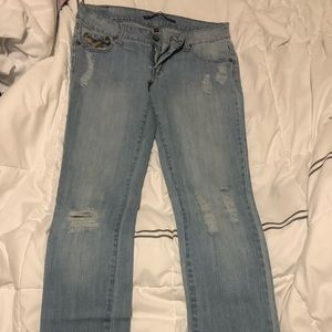 Women's jeans / ripped jeans / denim
